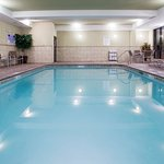 Photo de Holiday Inn Express Hotel & Suites Richfield
