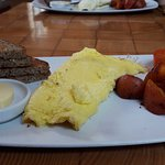 omlette, bread and potatoes