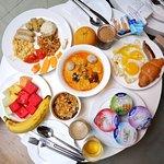 Very nice breakfast! Laska is the highlight!
