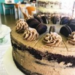 Dark chocolate cake with Oreo icing