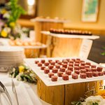 Let us craft your custom food & beverage offerings and display them beautifully