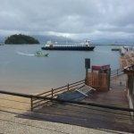 vista da barca, chegando em Abraão