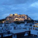 Blick auf die Akropolis abends