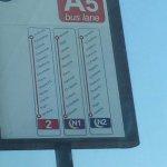 Ponto de ônibus para Veneza em frente ao hote