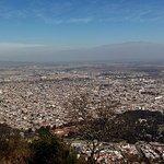 Ciudad de Salta y carrito de teleférico bajando desde el Cerro San Bernardo. IMPERDIBLE