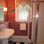 Bathroom for De Noyelle Room