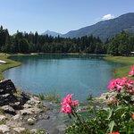 lac proche de l'hôtel