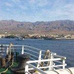 Met de veerboot kom je aan in Porto Novo waar een chauffeur onze gasten gaat afhalen..