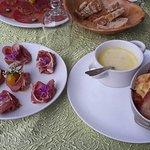 Jambon de pays, fromage fondu et pommes de terre