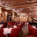 Oscar Wilde Bar at Hotel Cafe Royal - Daily Afternoon tea service