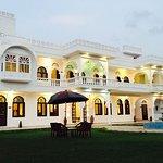 Bonjour Paradise Resort