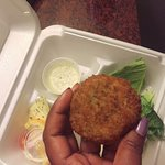 delicious crab cakes to go