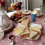 Afternoon tea for three: fresh and tasty!
