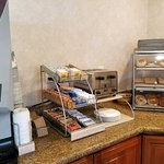 Photo de Atherton Park Inn & Suites Redwood City
