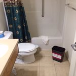 Flooding from upstairs bathroom/Unresolved by Mgmt