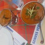 Meilleur resto indien selon moi. Beaucoup de choix, très bien cuisiné, personnel attentif. Je re