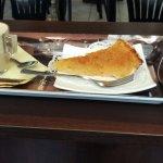 Капучино и лимонный пирог