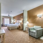 Holiday Inn Express & Suites Lubbock Southwest - Wolfforth King Suite