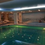 Indoor pool and hot tub/jacuzzi