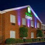 Photo de Holiday Inn Express Savannah-I-95 North