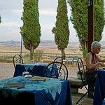 Resto' dining al fresco