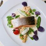 Plat : Saumon, boulgour et quinoa bio aux légumes variés, beurre blanc et pois gourmand