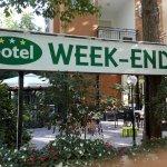 Hotel Week-End resmi