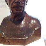 Estatua dedicada al pintor vasco Ignacio Zuloaga