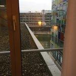 Photo de Courtyard by Marriott Duesseldorf Hafen