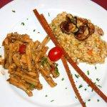 Casarecce con sarde e risotto zucca e gamberetti