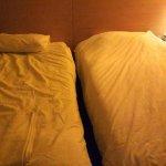 Вот так заправляют кровати в пятерке...