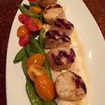 Caramelized grilled sea scallops