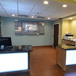 Photo de Holiday Inn Express & Suites High Point South