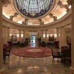 Photo de Carlton Hotel