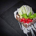 BROWNIE WITH GREEN TEA ICE-CREAM