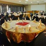 Oak Place Hotel & Coference Centre Photo