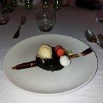 Dessert : Palet au chocolat et croustillant gianduja,praliné amande et noisette,glace tonka ! To