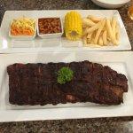 Foto de Karon Cafe Steakhouse & Thai Cuisine