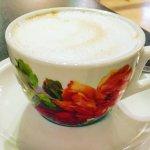 朝食時につくってもらったエスプレッソとカプチーノのカップ :)
