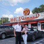 Foto de Mel's Hot Dogs