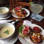 Foto van Rainbow Cafe