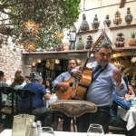mariachis in inner courtyard at Tio Lucas San Miguel