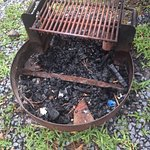 Fire ring w/cooking grate (it was full of trash that we had to throw away)