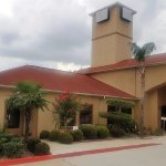 Photo de Red Roof Inn & Suites Houston - Humble/IAH Airport