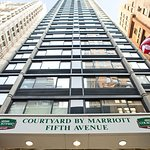 Photo de Courtyard New York Manhattan/Fifth Avenue