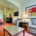 Photo of La Quinta Inn & Suites Denver Gateway Park