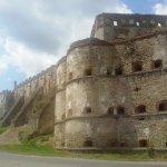 Вид на крепость и замок Сенявских