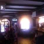 Zona de bar y entrada