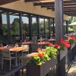 La terrasse du restaurant le Cocon