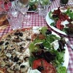 Mi-pizza, mi-salade...